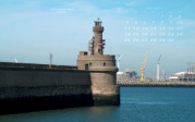 wallpaper April 2016 - pier light Zeebrugge (B)